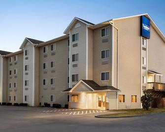 Travelodge by Wyndham McAlester - McAlester - Gebouw