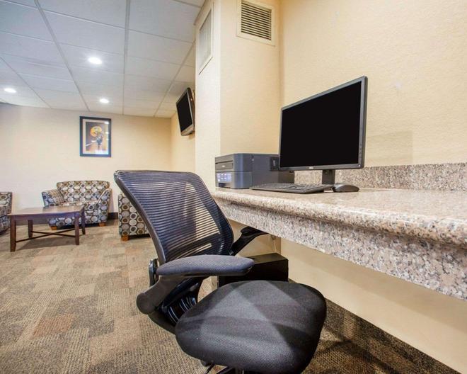 Quality Inn Stadium Area - Green Bay - Business centre