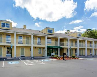 Quality Inn Laurinburg - Laurinburg - Building