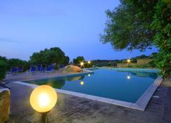 Hotel Micalosu - Cannigione - Pool