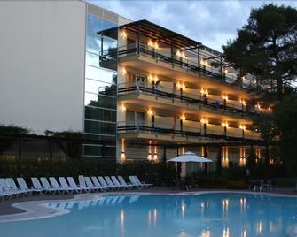 Nicotel Pineto - Castellaneta - Edificio