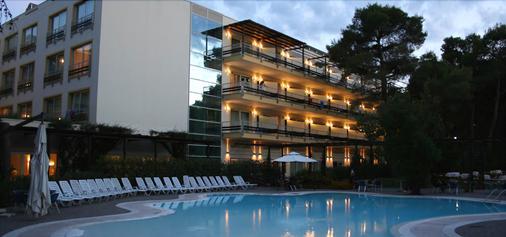 Nicotel Pineto - Castellaneta - Building