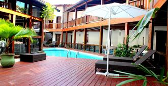أوتل جاليون - بورتو سيغورو - حوض السباحة