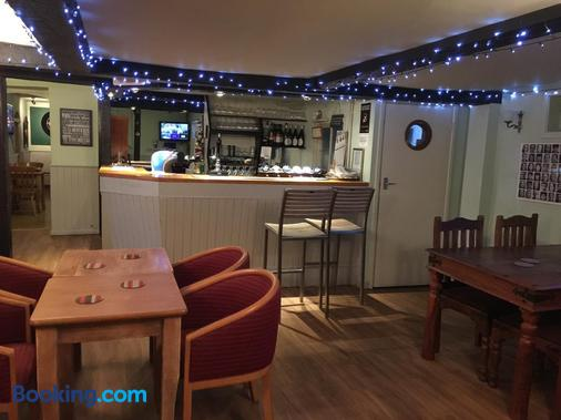 The Wheatsheaf - Salisbury - Bar