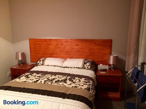 The Wheatsheaf - Salisbury - Schlafzimmer