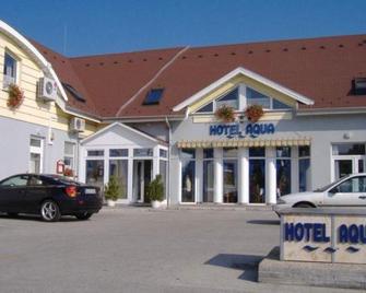 Hotel Aqua - Komárom - Gebouw