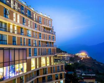 Amazing Hotel Sapa - Sa Pá - Building