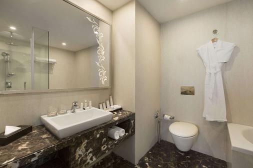 班加羅爾賀巴爾豪生酒店 - 邦加羅爾 - 班加羅爾 - 浴室