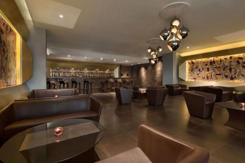班加羅爾賀巴爾豪生酒店 - 邦加羅爾 - 班加羅爾 - 酒吧
