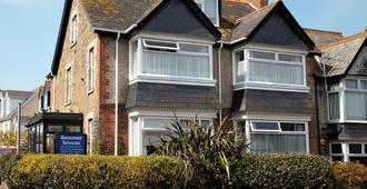 Summer Breeze Guest House - Newquay - Building