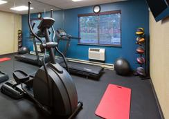 Days Inn by Wyndham Rockford - Rockford - Gym