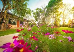 Villa De Bua Resort at Nan - Nan - Außenansicht