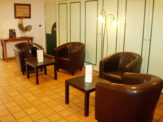 Brit Hotel Poitiers Beaulieu - Poitiers - Olohuone