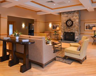 Holiday Inn Express Breezewood, An IHG Hotel - Breezewood - Obývací pokoj