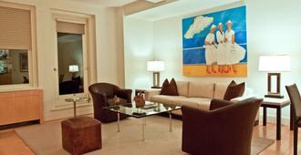 The Lombardy Hotel - New York - Phòng khách