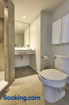 坎昆城市快捷青年酒店 - 坎昆 - 坎昆 - 浴室
