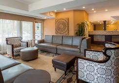 Best Western Plus Pioneer Park Inn - Fairbanks - Lounge
