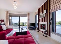 Private Luxury Villa With Swimming Pool - Vamos - Living room