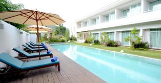 Prairie Hills Resort - Mu Si - Πισίνα