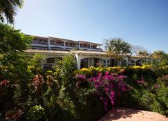 Best Western Tamarindo Vista Villas - Tamarindo - Κτίριο