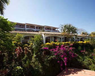 Best Western Tamarindo Vista Villas - Tamarindo - Building