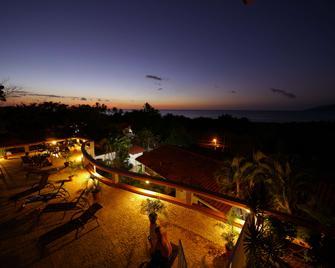 Best Western Tamarindo Vista Villas - Tamarindo - Vista del exterior