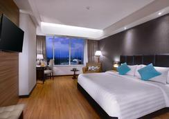 The Alana Hotel and Convention Center - Solo - Surakarta City - Phòng ngủ