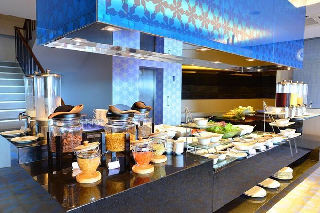 The Yama Hotel Phuket - Karon - Buffet
