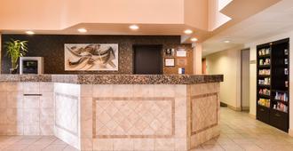 Best Western Executive Inn & Suites - Colorado Springs - Front desk