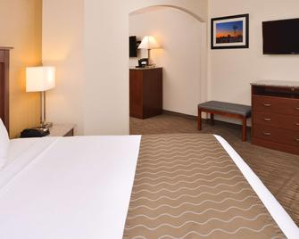Best Western Executive Inn & Suites - Colorado Springs - Bedroom