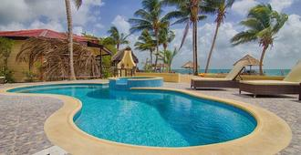 Beaches And Dreams Boutique Hotel - Hopkins
