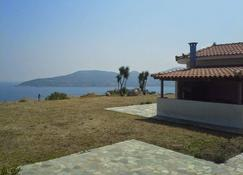 Dreamview Apartments - Samos - Outdoor view