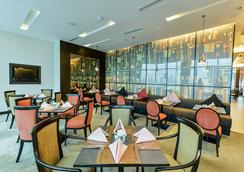 Executive Club at Windsor - Bangkok - Restaurant