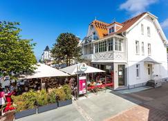 Hotel Villa Neander - Binz - Building