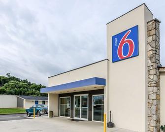 Motel 6 Troutville, VA - Troutville - Building