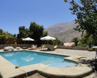 Hotel El Milagro - Pisco Elqui - Pool