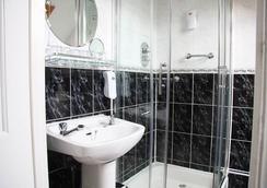 Egans Guest House - Dublin - Bathroom