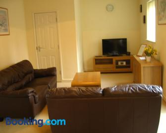 Orchard Properties - Daventry - Living room