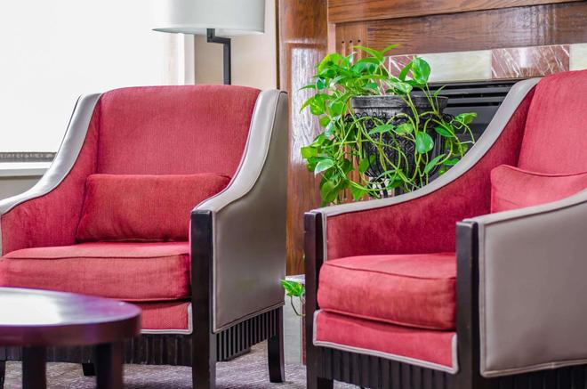 Quality Suites St. Joseph - St. Joseph - Recepción