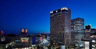 Yokohama Bay Sheraton Hotel and Towers - Yokohama - Edificio
