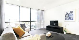 Hearty Milton Apartments - Brisbane - Living room