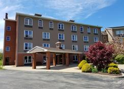 The Inn at Mountainview - Greensburg - Building