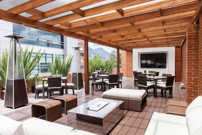 Best Western Plus 93 Park Hotel - Bogotá - Patio