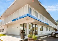 Motel 6 Kansas City Southwest - Lenexa - Lenexa - Building