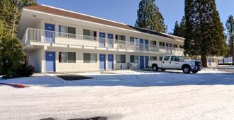Motel 6 Big Bear - Big Bear Lake - Gebäude