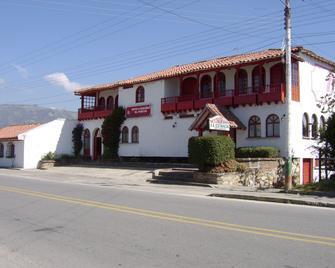 Hotel Cabanas El Porton - Paipa - Edificio