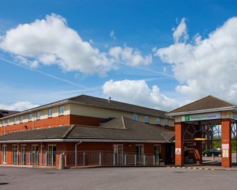 Holiday Inn Express Gloucester - South - Gloucester - Edificio