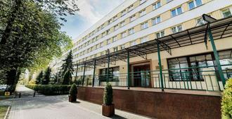 Hotel Huzar - Lublino - Edificio