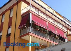 B&B Milu' - Crotone - Building