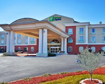 Holiday Inn Express & Suites Thomasville - Thomasville - Edificio